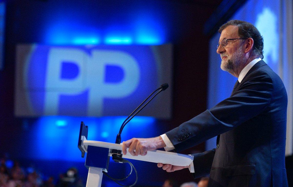 La política de mi Gobierno y del @PPopular ha sido siempre aplicar la ley, respetar las resoluciones judiciales, defender a las FCSE y cooperar con los países amigos. Juntos, con el apoyo de todos los españoles, hemos derrotado a ETA. A cambio de nada. #19CongresoPP