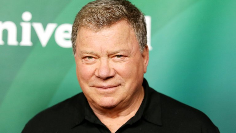 William Shatner defends anti-autograph policy amid #StarTrek fan outcry https://t.co/iJg0bs496f