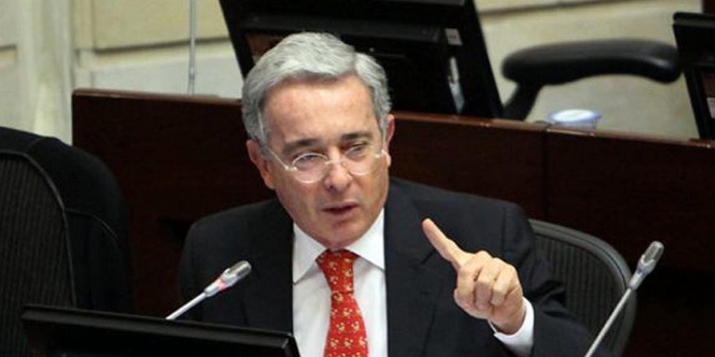 #LoMásVisto / Esposa de exparamilitar testigo en caso contra Uribe, fue despedida de su trabajo → https://t.co/TpKfR9qbv8