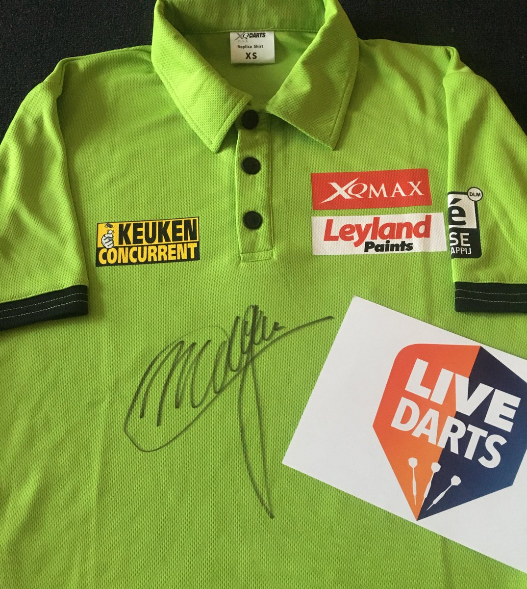 🎯 MVG SHIRT GIVE-AWAY 🎯 Simply RETWEET this and make sure you're following @livedarts for your chance to win a signed @MvG180 shirt! 👍🏻 #BVDarts #LoveTheDarts