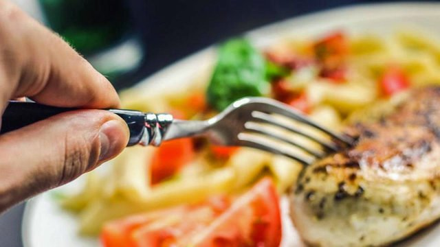 Early #dinners don't just help fight body fat -- they may lower #cancer risk, study finds https://t.co/rAwl0LYTgH #wftv
