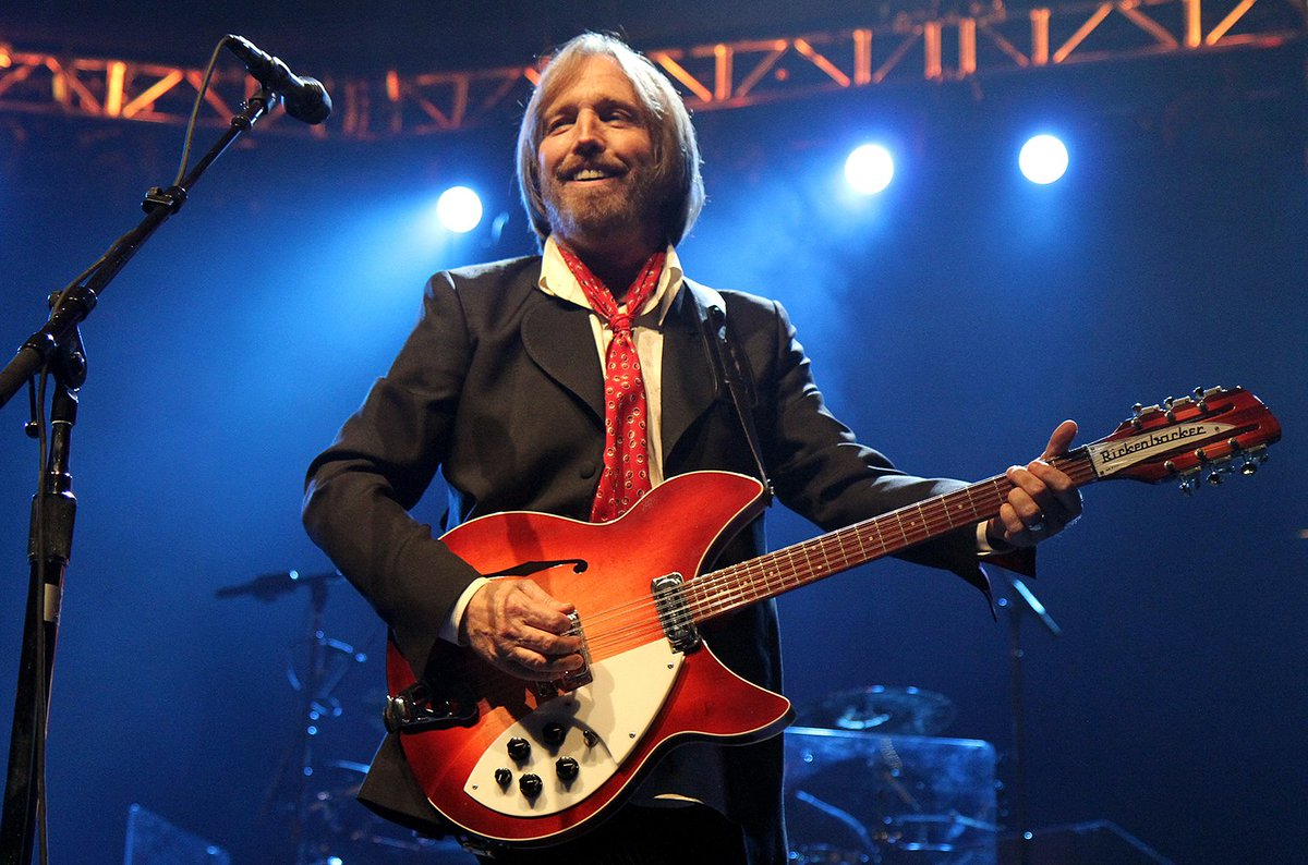 Tom Petty fans urged to share personal photos and videos of band for upcoming video project https://t.co/oZHdqQGlKI