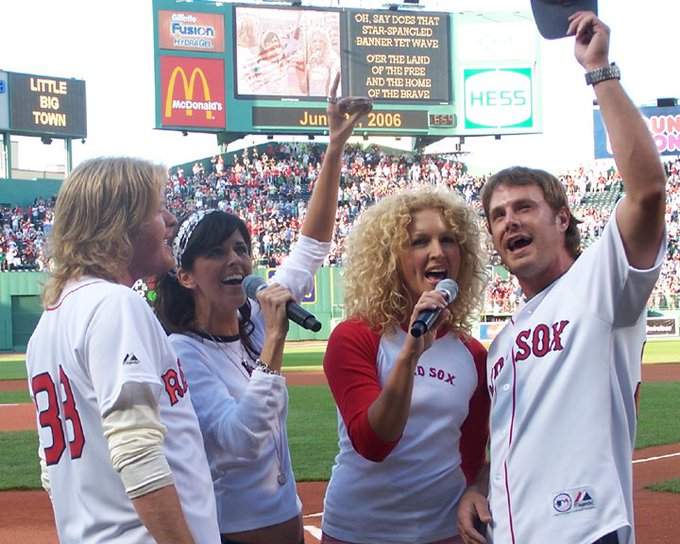 Holy #FlashbackFriday! Check out @littlebigtown at @fenwaypark back in 2006! Photo