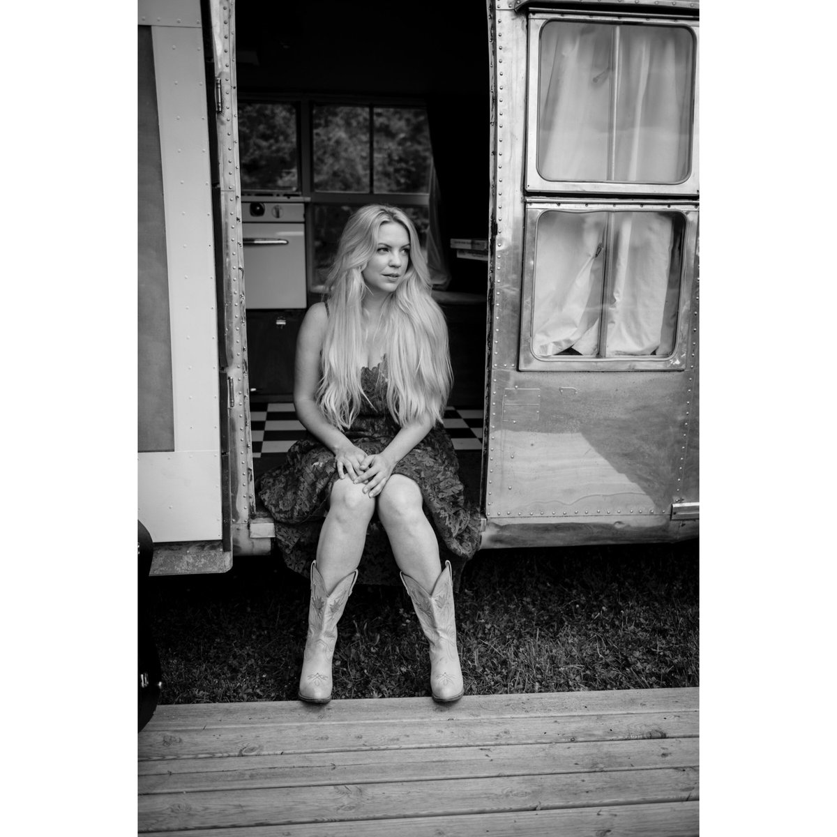 """""""Put your best boots on and remind them who's boss..."""" ❤️ thanks @KerryCurl_ @allyhilly @tincancamping I was a rodeo queen for the day x"""
