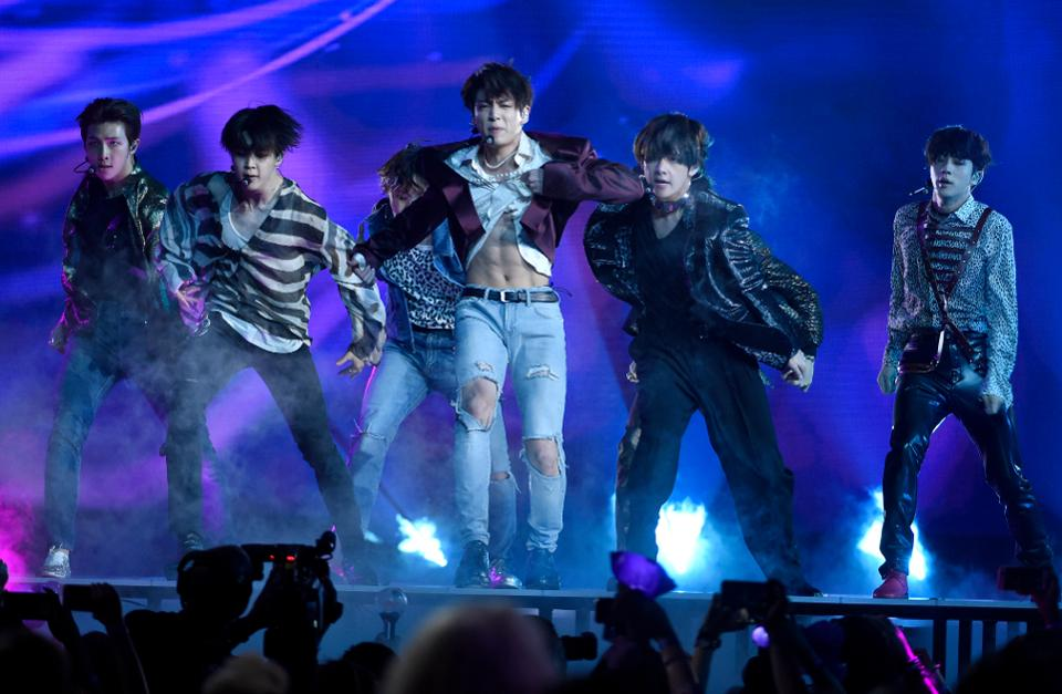 BTS' album 'Love Yourself' landed the top spot on Amazon's Best Sellers list through preorders alone https://t.co/aoTNP67J7h
