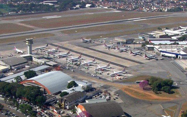 Falha de energia causou pane que afetou aeroportos de SP, diz Aeronáutica https://t.co/PcomHbZONk #G1
