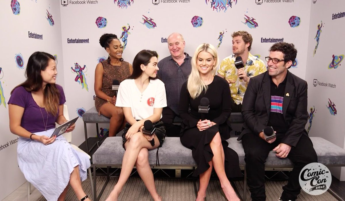 Did you miss our Facebook Live with @MarvelIronFist stars @FinnJones, @JHenwick, @SimoneMissick and Alice Eve at #ComicCon2018? Watch it here: https://t.co/WG8CoFkWw3 #EWComicCon #IronFist