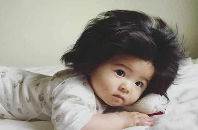 Bebê japonesa cabeluda faz sucesso nas redes sociais: https://t.co/BuwDNxv3qB #EmPauta #GloboNews
