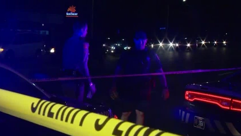 Traffic stop leads to chase in Pine Hills https://t.co/1Pi2er4Iua