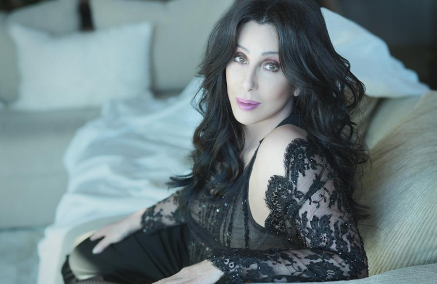 Lorraine persuades @Cher to appear on #DragRace youtu.be/ZSEvcvcImls