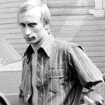 10代で既にこの威圧感w若かりし頃のプーチンがまんまデスラー総統!