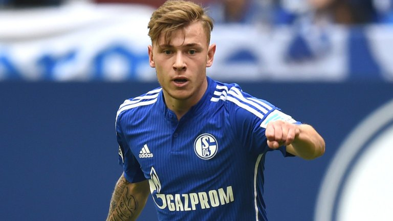 Meyer has one problem - he has a completely wrong self-assessment. With the new season approaching, Max Meyer is still without a club. How has he found himself in his current predicament? skysports.tv/gj7ueg
