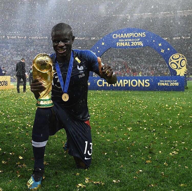 """🇫🇷 @UmtitiSam on @nglkante:  🗣 """"He works in the shadows, we have to bring him to light. To p*ss him off, we try to push him to dance, to talk a little bit more.""""   🗣 """"He doesn't like that because he's shy, but seeing him smile makes us happy."""""""