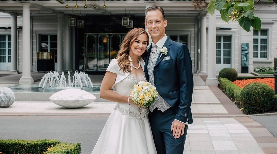 Wedding bells for @MHingis! ��‍❤️‍��‍������  Congrats to the happy couple! --> https://t.co/tTDJB7qCyw https://t.co/Ugjm8Lba2t