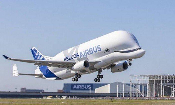 Avião ou baleia? Airbus faz primeiro voo de novo modelo da Beluga https://t.co/35pWg0FceF