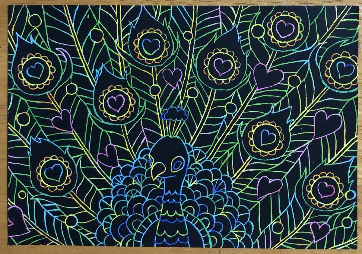 test ツイッターメディア - ダイソーのスクラッチアート「動物の楽園」のクジャクにアレンジを加えるのが楽しい!ハートを完全に削ってみたりクジャクを太線にしてみたり。今は線が交差するところを太くして線のヨレヨレを隠しています。右上がアレンジ済みなんですけど分かりますでしょうか。 #ダイソー #スクラッチアート https://t.co/6cRbHTYW0x
