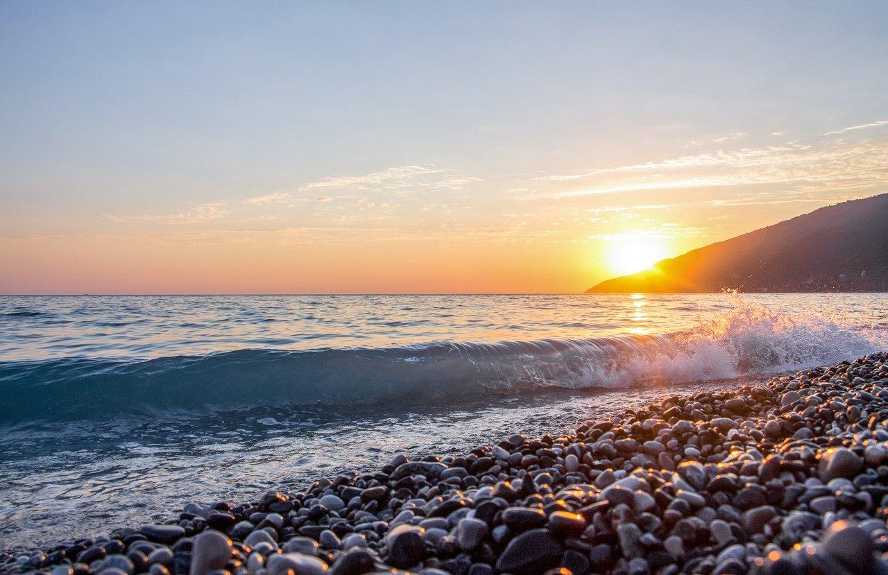 фото моря в сухуми летом комплекте две