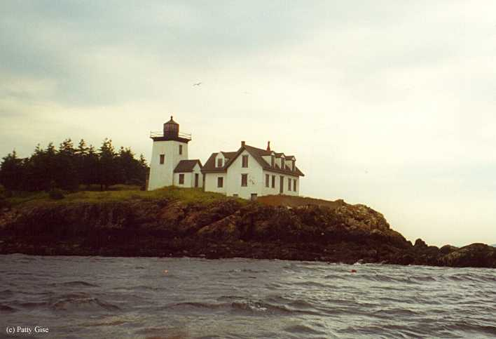 test Twitter Media - With lime production in full swing, the #UnitedStates erected the #IndianIsland #Lighthouse in 1850 to mark the entrance to #RockportHarbor, #Maine. Read more of the history of the #Indian Island Lighthouse. https://t.co/MwVXqUoxeJ https://t.co/TzMmHG5fL9
