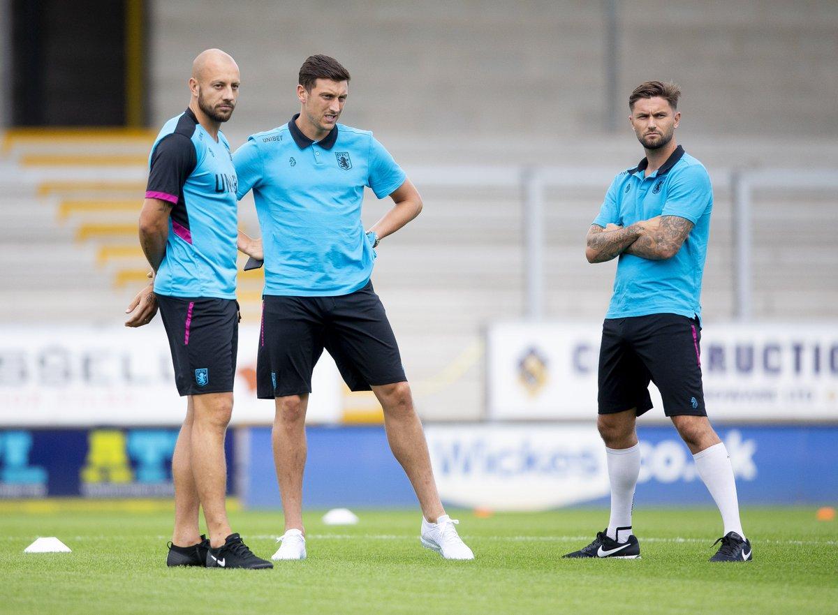 .@LansburyHenri channeling his inner Ronaldo 📸 #AVFC