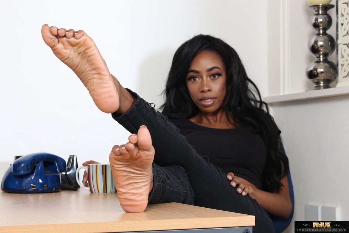Dominant Ebony Feet