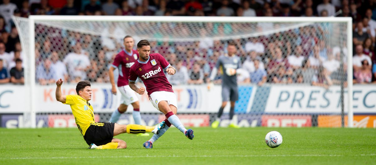 Assured performance from @LansburyHenri up to this point. The hosts have had their fair share of chances but are yet to really test Steer. Closing stages of the first half 👉 bit.ly/2uQYUfC #PartOfThePride #AVFC