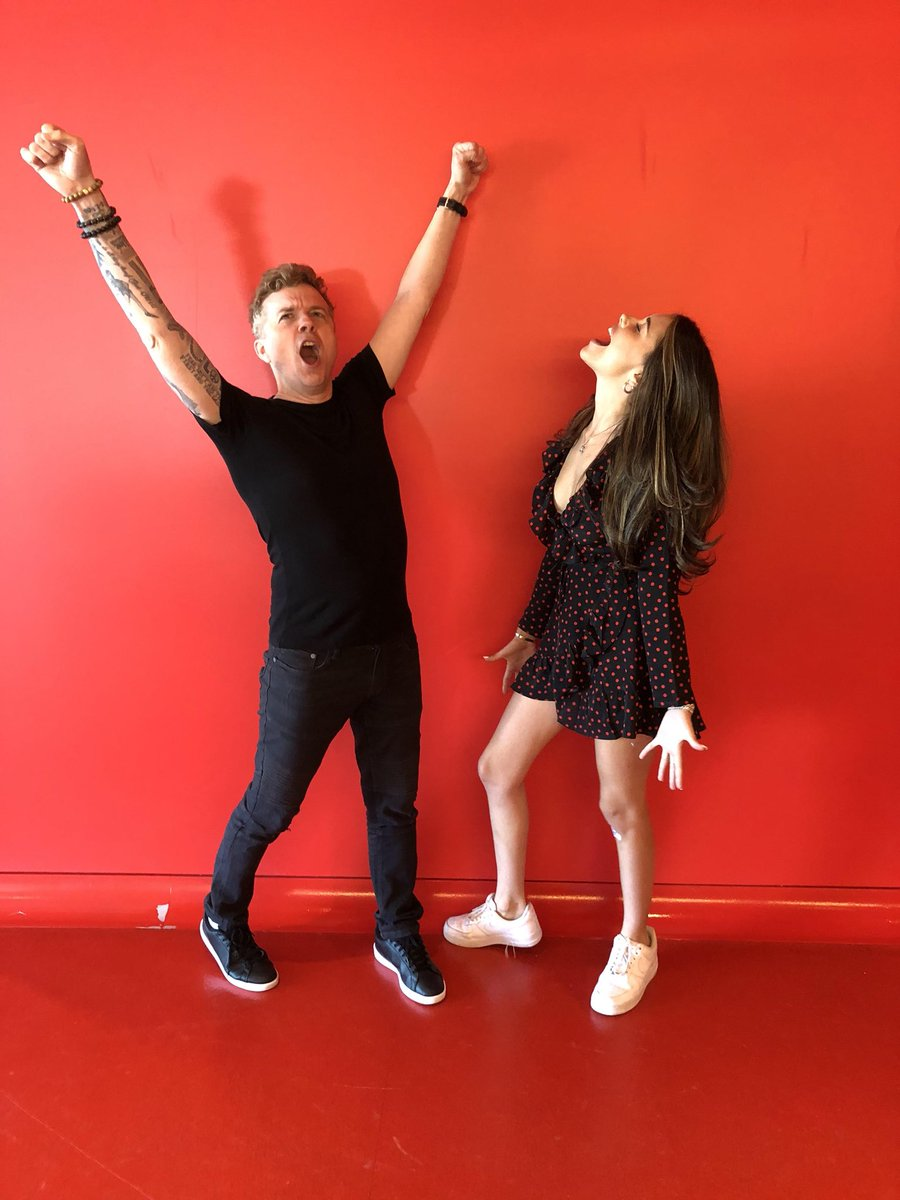 Want to know which celebrity @MadisonBeer idolizes & would probably freak out if she ever met?! Tune in to the  thi@iHRCountdowns weekend w/  to hea@JoJoWrightr more & her song .   Find a #HomeWithYoustation near you or online: https://t.co/4HJqgm0vc4