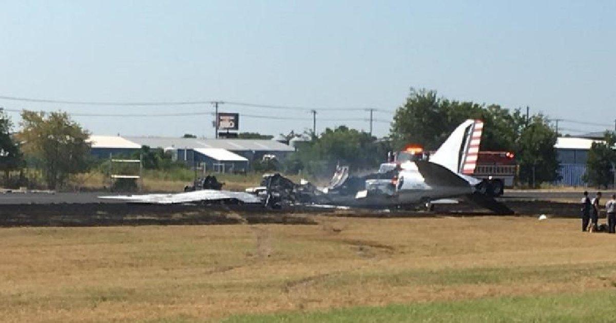 В США потерпел крушение пассажирский самолёт: https://t.co/ZgLUMxBb4v