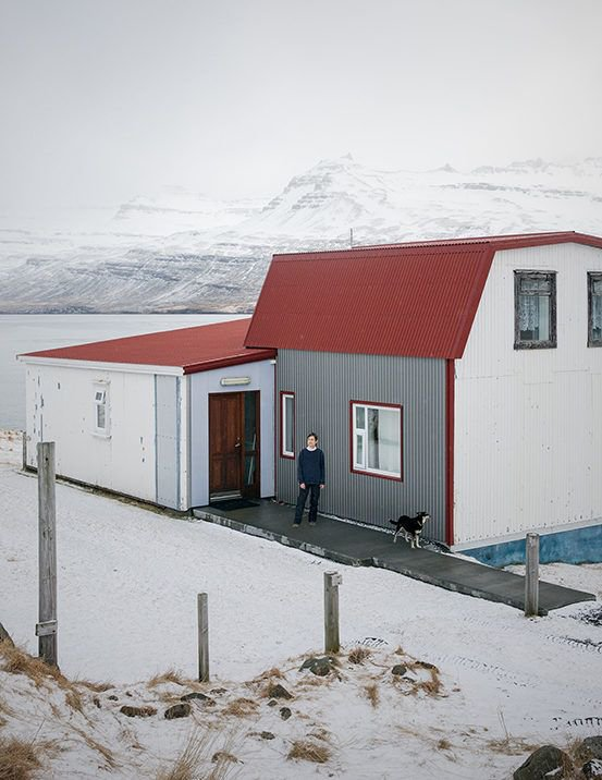 The Priest's Ravine by @marzenaskubatz is a portrait of one of the smallest communities in Iceland, Solbrekka, which is situated on Mjoifjordur, one of the most isolated fjords in the country. https://t.co/IccUv3mYQe