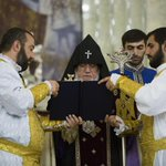 Armenia's uprising spreads to its church. Inspired by recent regime change, Armenian church hardliners try to force out their unpopular leader.  https://t.co/8OFWgWwJQm via @eurasianet #Armenia #ArmenianChurch #Catholicos #Karekin