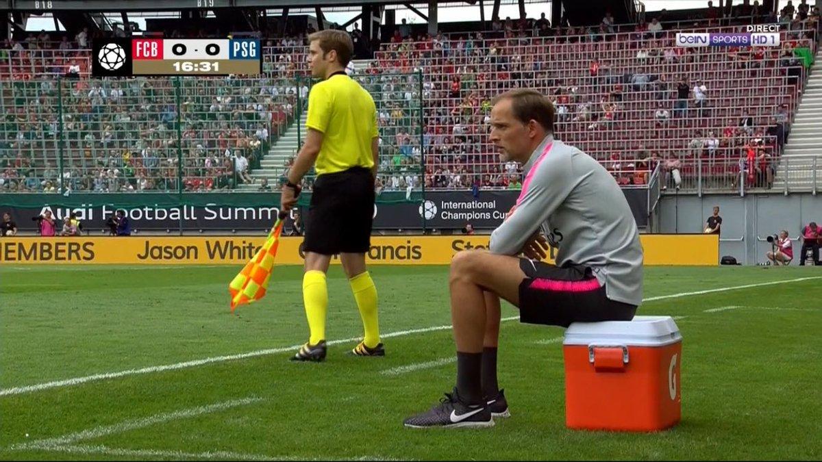#Tuchel est plus prêt a rentrer en jeu que Serge Aurier a sa grande époque 😂 #FCBPSG #PSG