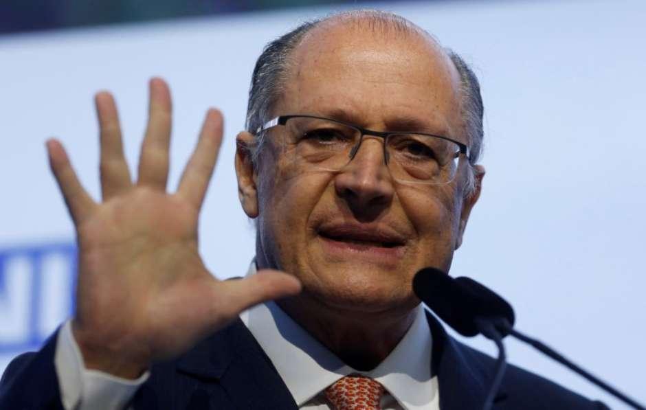 Alckmin diz ser favorável a 'alternativa' a imposto sindical. Ele ligou para Paulinho da Força para desfazer mal-estar: https://t.co/DwfU5y1oLH