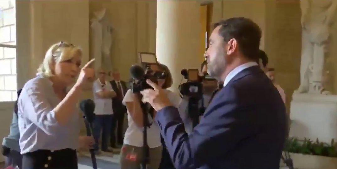 Affaire Benalla : vive altercation Le Pen-Castaner dans les couloirs de l'Assemblée https://t.co/h7ryH2Ic0J