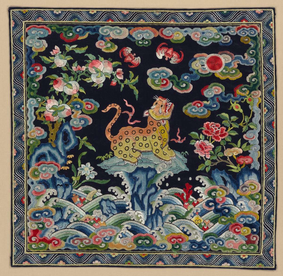 Sunday, July 22, is the last day to see 'Spirited Creatures.' This exhibition explores how real and mythical animals—such as the dragon, unicorn, phoenix, lion, ox, and butterfly—are depicted on luxury materials of late imperial China. https://t.co/26fh5YWR8i