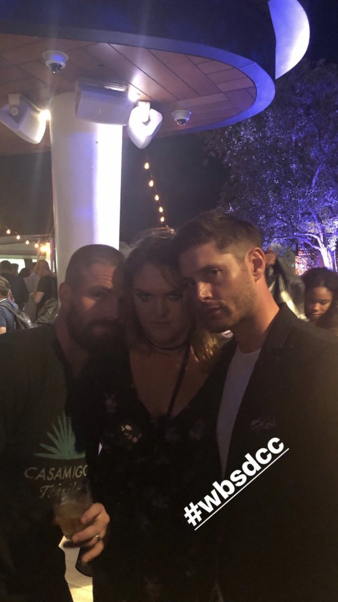 Stephen Amell Daily On Twitter Picture Stephen Amell With Carina Mackenzie And Jensen Ackles At The Warner Bros Party Https T Co Ixmcfh5eh5