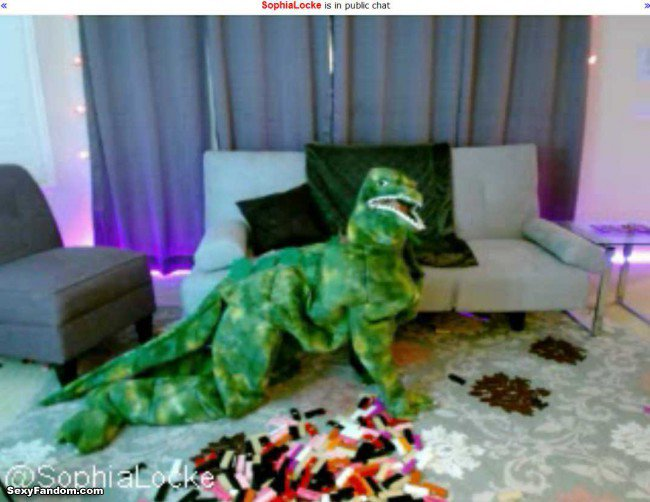 Sexy Fandom: Sophia Locke, Godzilla, Jenga, Justin...