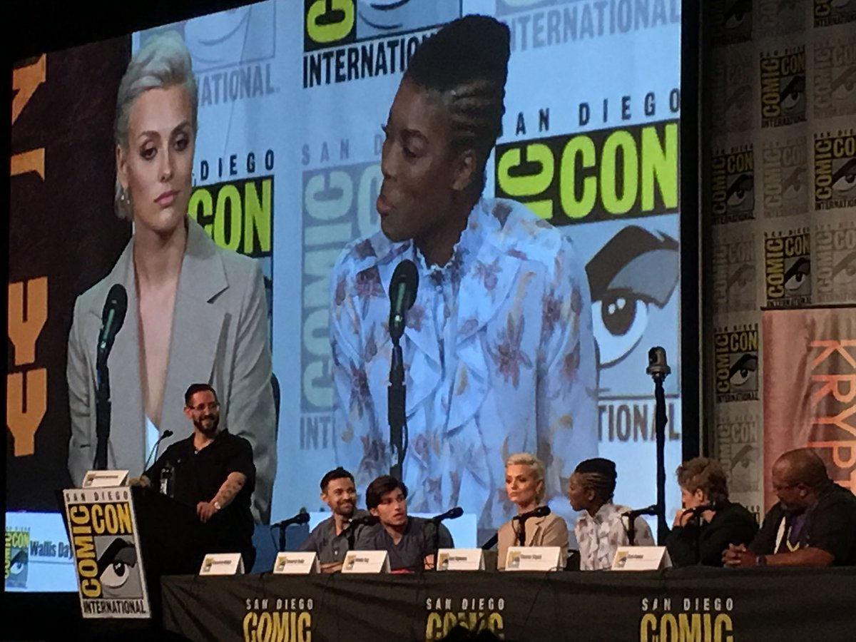 """""""Jayna killed Seg's parents out of love.""""   -@annogbomo sets the record straight on Seg & Jayna's relationship. #Krypton #SDCC"""
