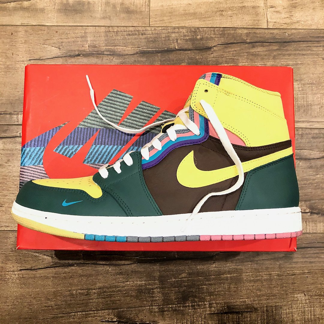 Sean Wotherspoon-inspired Air Jordan 1 customs by @dezinedope. Would you rock these?