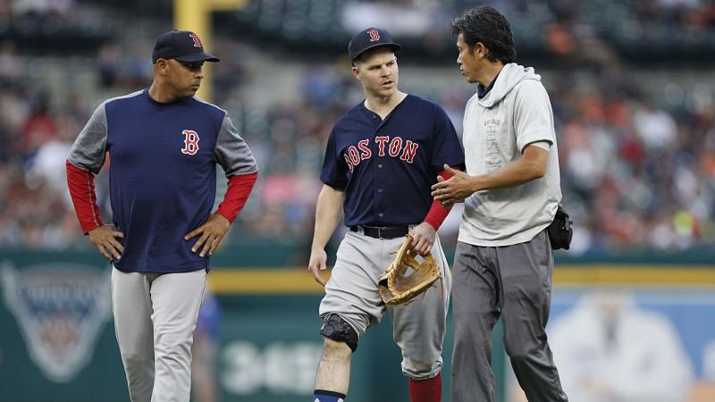 Brock Holt already is feeling better after leaving Friday's game with a knee contusion.  https://t.co/GKt2QtUyAJ