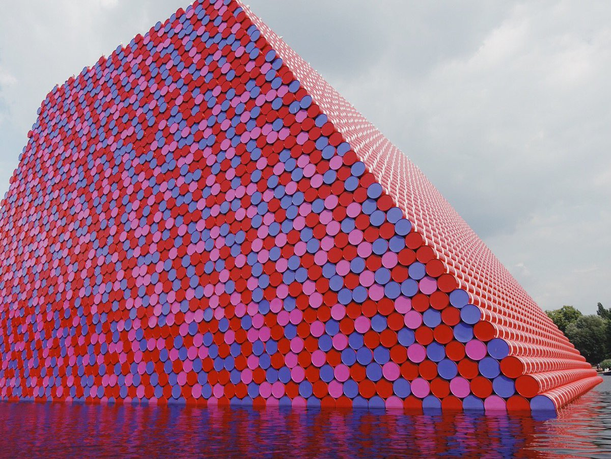 #Christo first major public outdoor work in the UK weights 500 tons! #Mastaba #London 🇬🇧