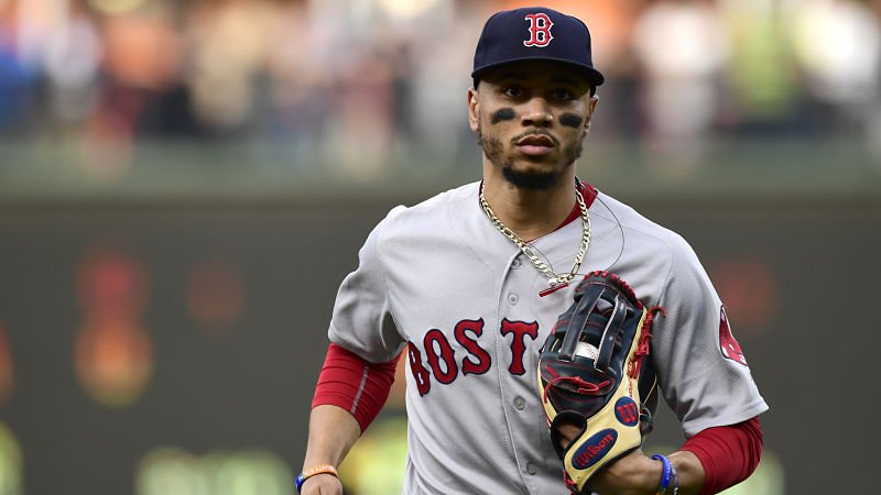 Another day, another stellar play by Mookie Betts.  The Red Sox right fielder saved a run by robbing a home run against the Tigers on Saturday. WATCH: https://t.co/QHfU5t2Sxq