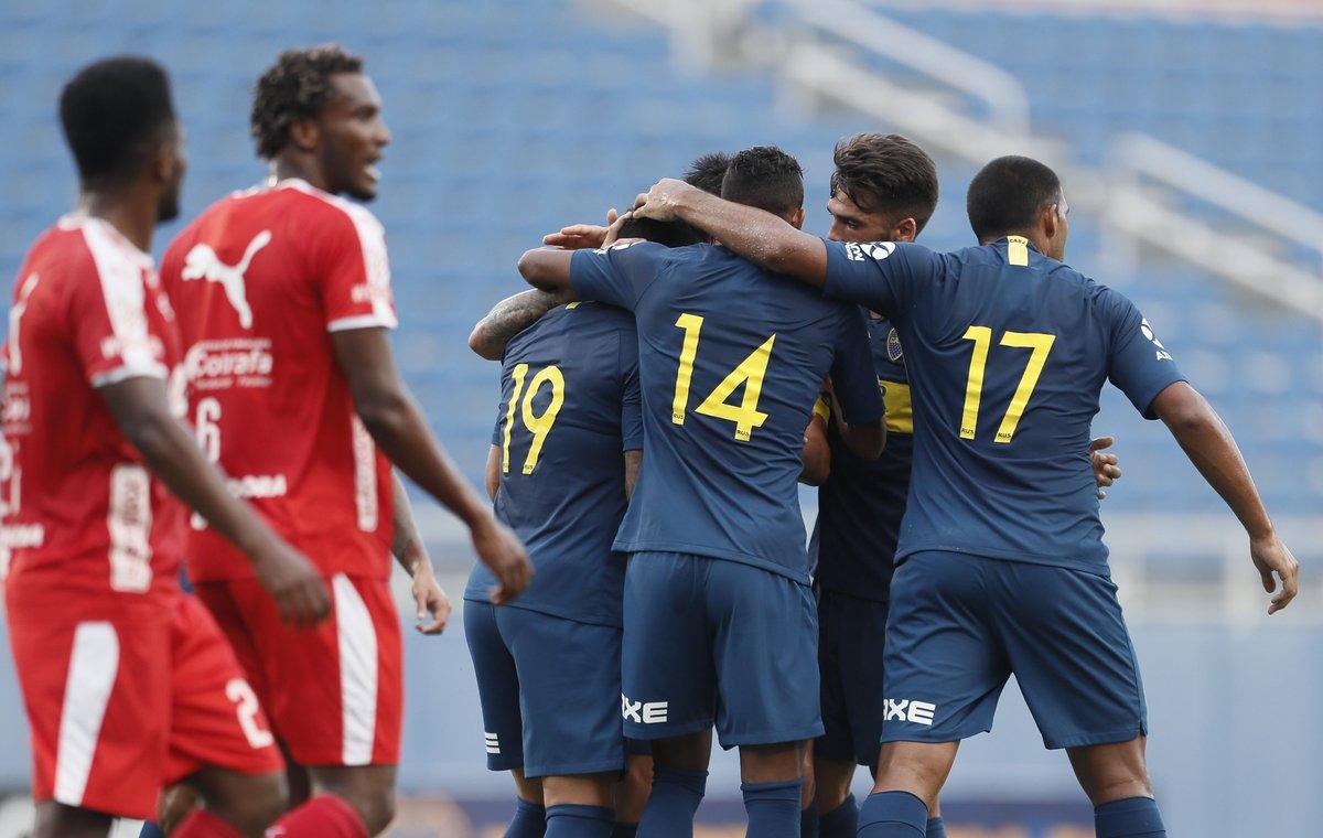 #Amistoso | Final del primer tiempo en el Florida Atlantic University. Con goles de Mauro Zárate, Sebastián Villa y Agustín Almendra, #Boca supera por 3-1 a Independiente Medellín.