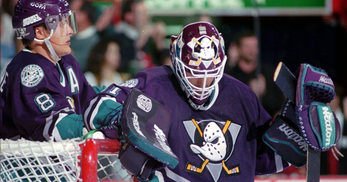 112a3b9c460 Mighty Ducks throwback jersey unveiled for Anaheim Ducks' 25th anniversary  http://dlvr.it/QcLSlN pic.twitter.com/W7HcPlGx3K