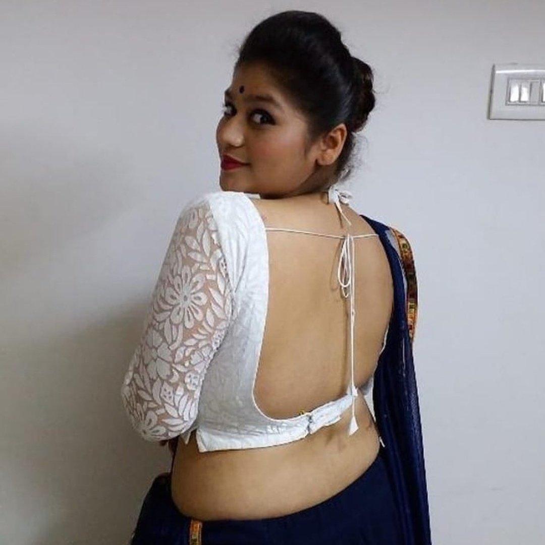Backless saree by exposing bhabhi interfaithxxxx