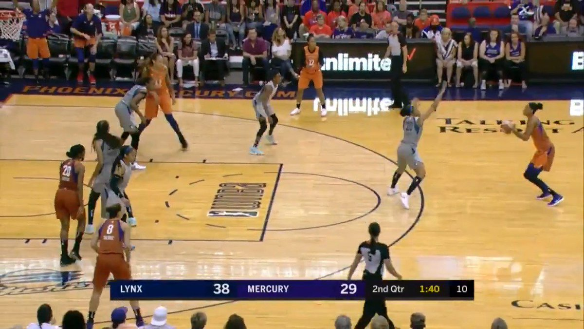 Another triple from DEEP for @PhoenixMercury, this time by DeWanna Bonner! Huge 2nd quarter for Bonner, who now has 16 PTS! #WatchMeWork