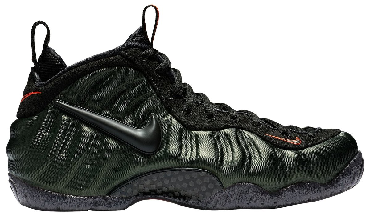 A detailed look at the upcoming Sequoia Nike Air Foamposite Pros. trib.al/dLpT8hD