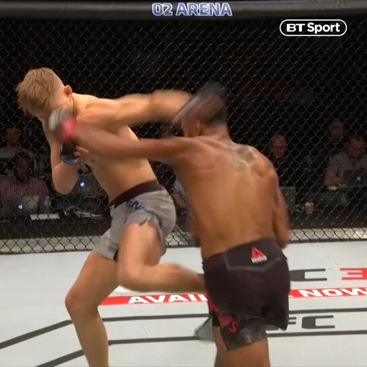 """Hit him so hard he did a 180 😱  Danny 'Hot Chocolate' Roberts has that """"OHH!"""" power. #UFCRochester"""