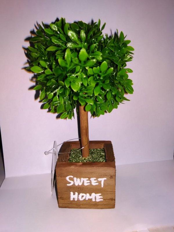 test ツイッターメディア - ダイソーで良いの見つけた! 今までの木の置物などは木の上に物を 置けなかったけど これは多数のプラスチックの枝の間に 物が沈み込む感じなので ガチャフィギュアなどの小さいやつなら 木の上に配置できます。  無い店舗や品切れの可能性あり 置物や人工草の売り場? #ダイソー #コブ工作 #工作 https://t.co/tmVun2l3Yf
