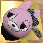 Image for the Tweet beginning: 本日の特注ケーキ ラブライブより 矢澤にこちゃんのウサギのぬいぐるみのキャラデコ! 本日は矢澤にこちゃんの誕生日との事。生誕祭でお使いのようです。 おめでとうございます! ナンバーキャンドルも 「2・5・2・5・2」の5本ご購入頂きました! ステキなセンスです!