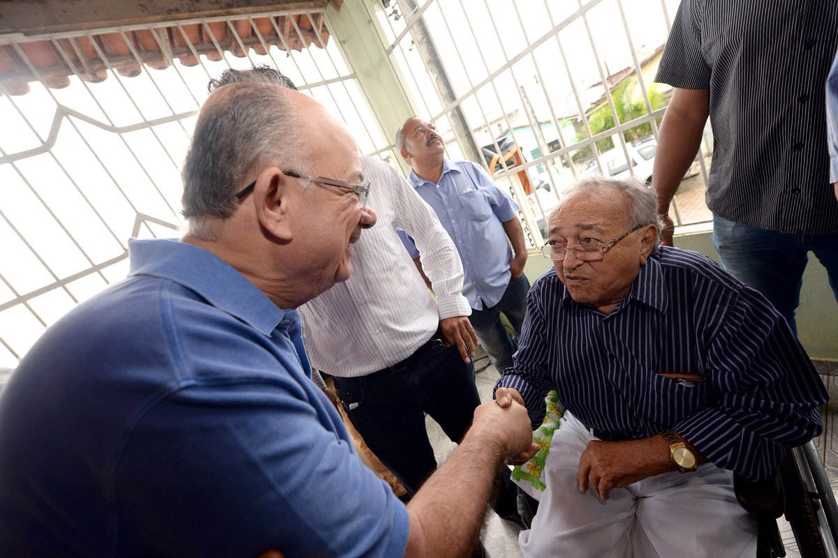 Que bom voltar em #Araçás e reencontrar amigos que estão lutando uma #Bahia melhor. Obrigado senhor Coelho e seu filho Agamenon pela recepção. Tamo junto sempre!pic.twitter.com/So0d5cfK9F