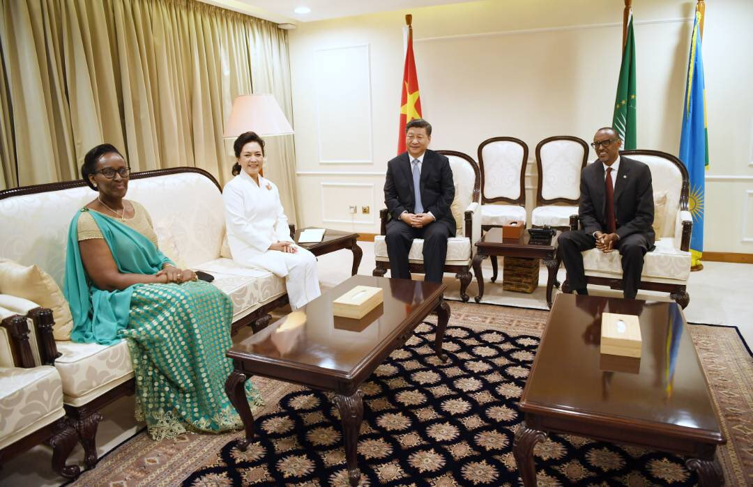 This evening, President Kagame and First Lady Jeannette Kagame welcome Chinese President Xi Jinping and First Lady Peng Liyuan to Rwanda for their two-day State Visit.